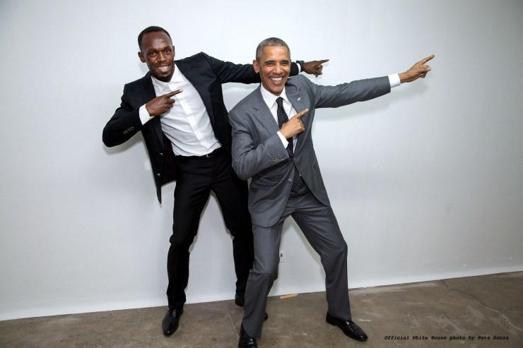 Le président Obama pose avec Usain Bolt [Crédit photo by Pete Souza]
