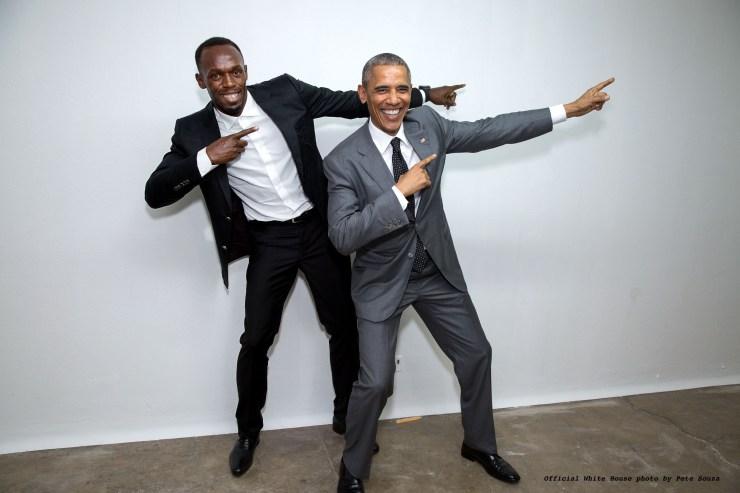Le président Obama pose avec Usain Bolt [Crédit photo by Pete Souza]